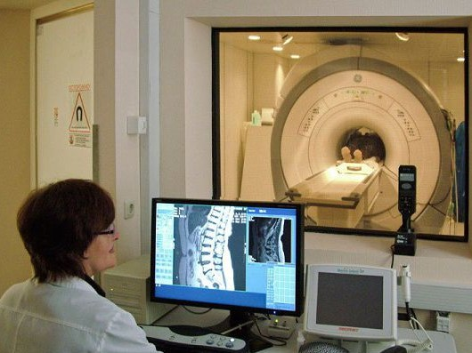 Как делают МРТ позвоночника