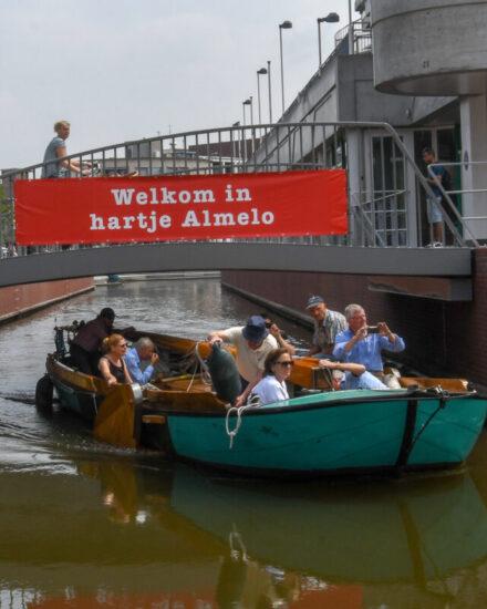 Image for Almelo verrassingstour 6/40 pers.: vriend(inn)en, collega's & teamgenoten