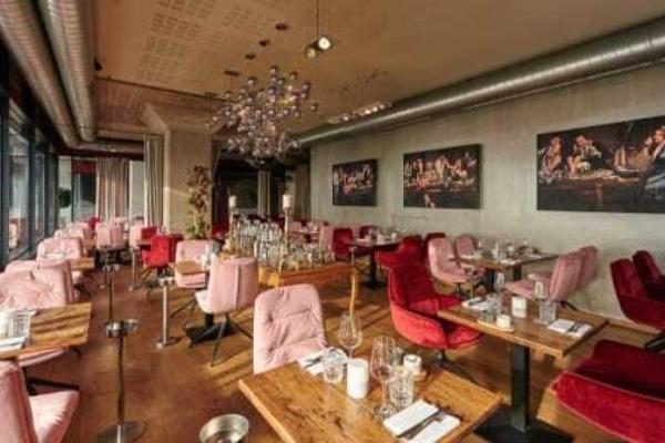 Am Kai Restaurant 6