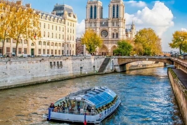 Bateaux Parisiens 1