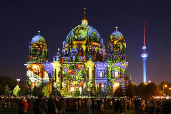 Festival of Lights 2014 c berlin lights com 2 DL PPT 0