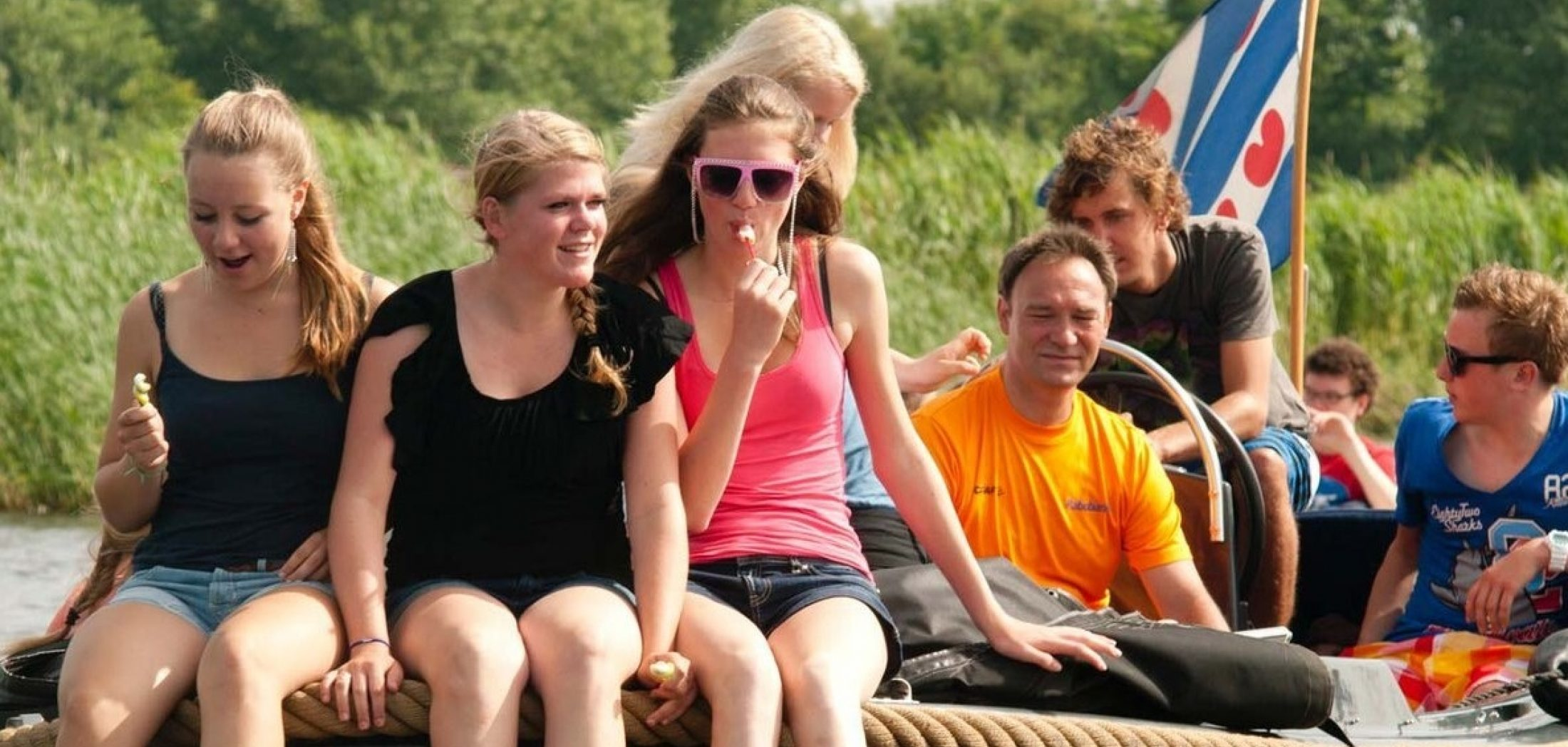 Hero image for Friesland 1 dag 5/48 pers. : collega's, vriend(inn)en, familie & teamgenoten