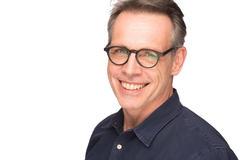 img-20170130-161222-headshots-roland-schneider-00027
