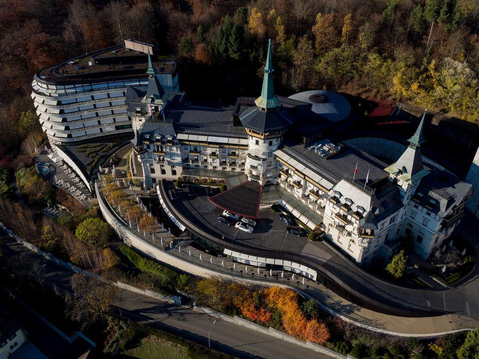 img-20151105-154137-aerialstock-the-grand-dolder-00035