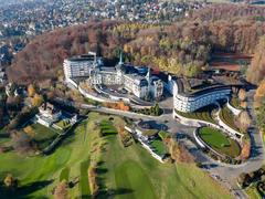 """Vorschaubild für Stock Bild """"img-20151105-152842-aerialstock-the-grand-dolder-00025"""""""