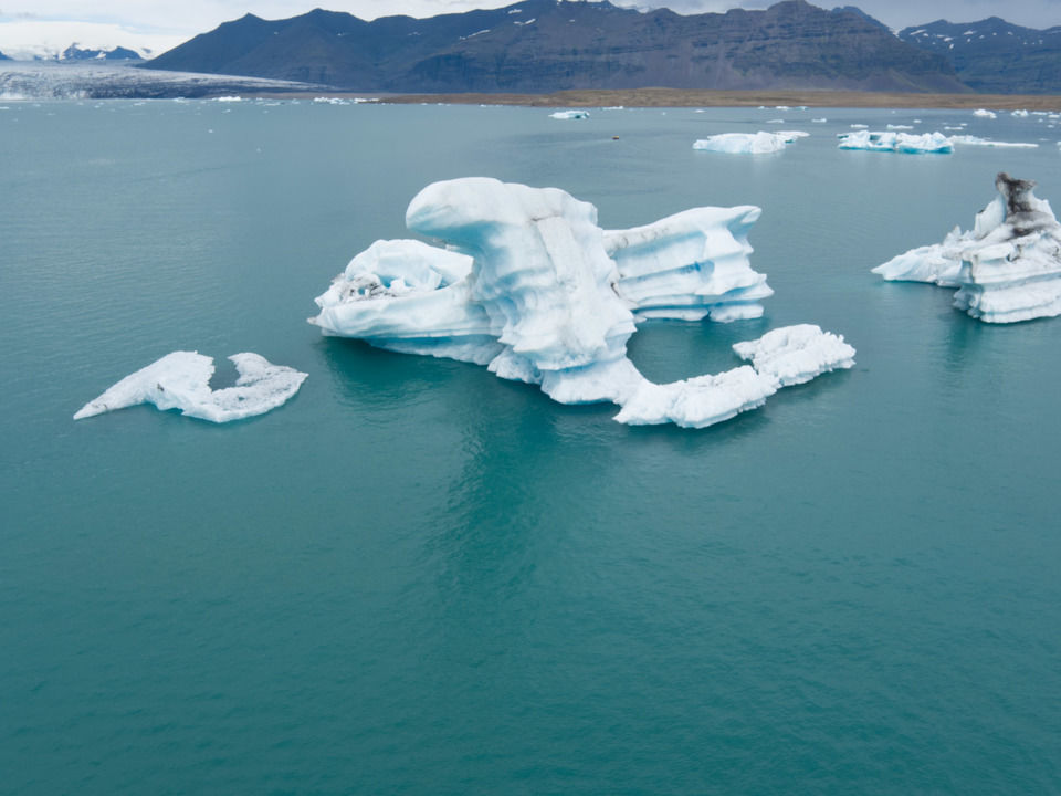 img-20160727-153931-aerialstock-island-joekulsarlon-00008