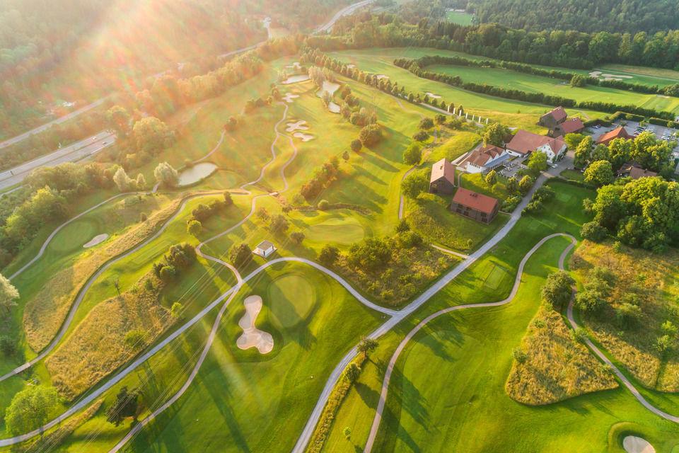 img-20180607-202857-aerialstock-golfplatz-kyburg-winterthur-00031
