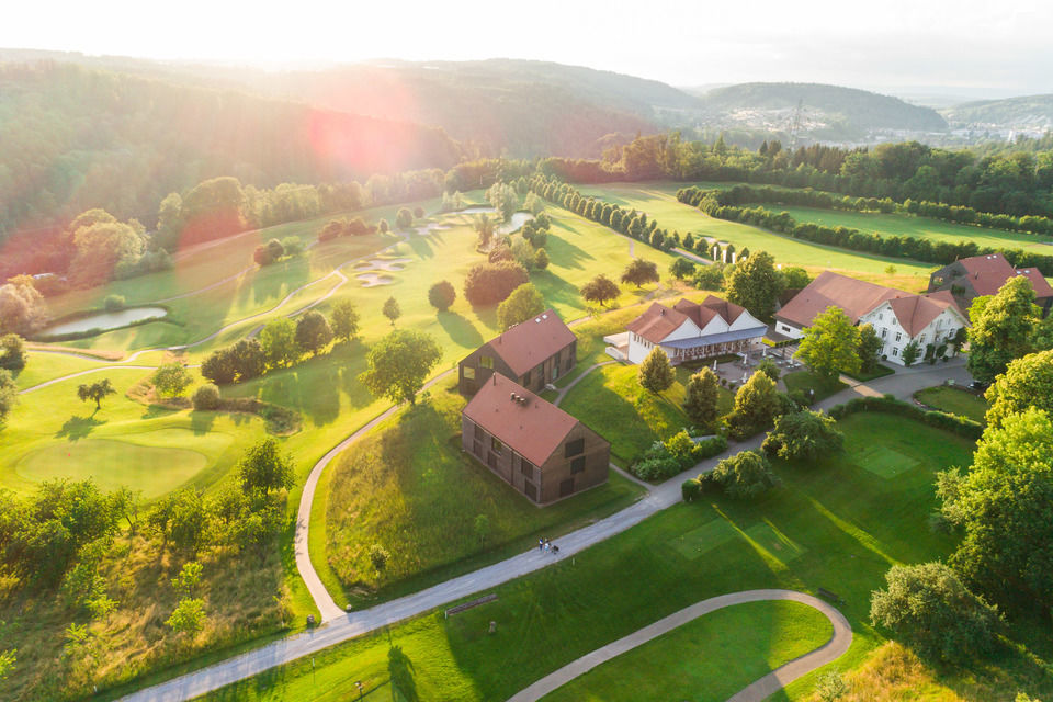 img-20180607-202139-aerialstock-golfplatz-kyburg-winterthur-00017