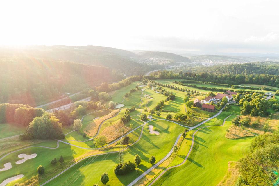 img-20180607-202745-aerialstock-golfplatz-kyburg-winterthur-00027