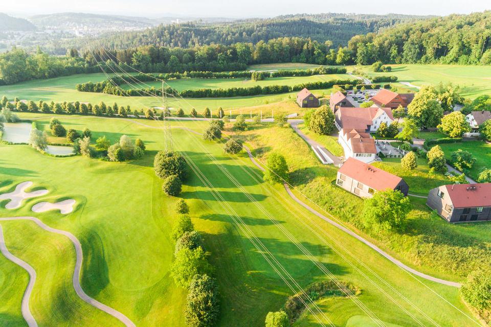 img-20180607-201928-aerialstock-golfplatz-kyburg-winterthur-00010