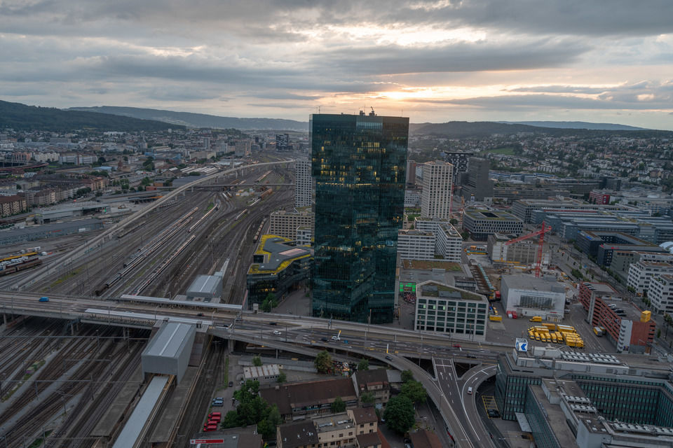 img-20180621-205817-aerialstock-prime-tower-zuerich-00016-hdr