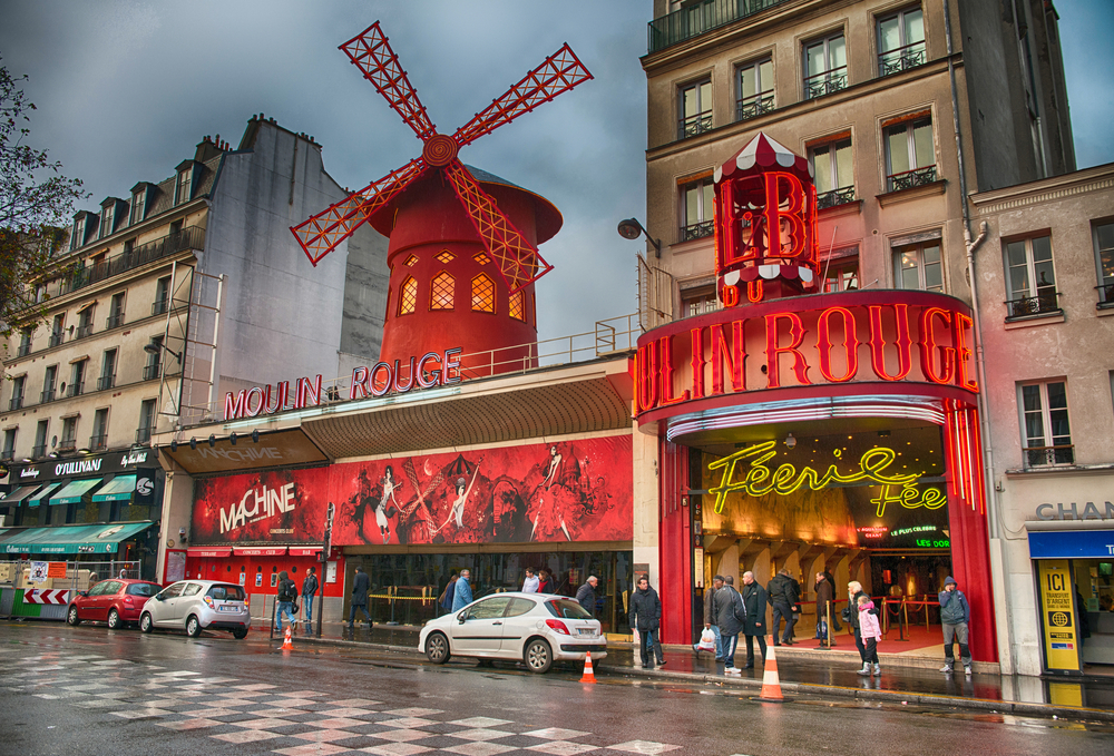 Magic Paris $579(992.56BGN) Return flights From New York  with Major Airlines .