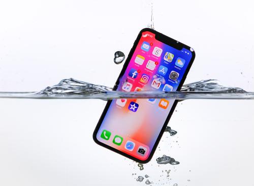 €967 για το πολυπόθητο iPhone X
