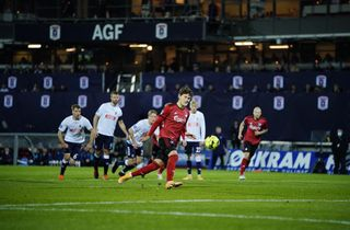 To røde kort og Panenka da FCK sænkede AGF