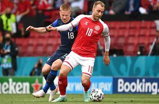 Belgien sparker bolden ud til Eriksen-hyldest