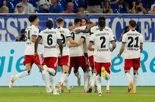 Mikkel Kaufmann indskiftet i stor HSV-triumf