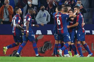 Levante snød Atletico for sejren kort før tid