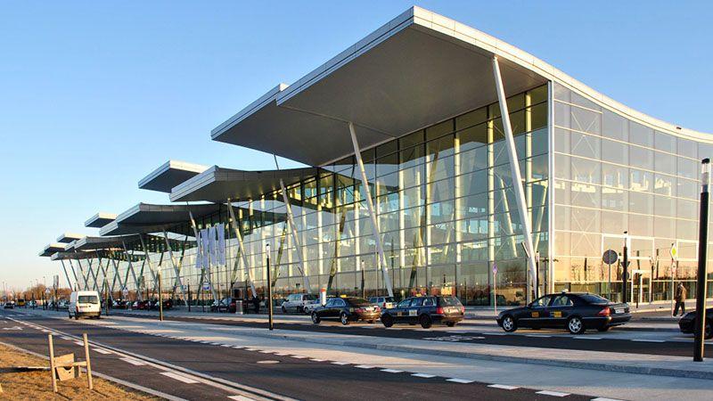 Informacja na temat połączeń z lotniska we Wrocławiu