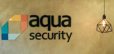 וגר אדם עם קונטיינר: הצצה למשרדי Aqua