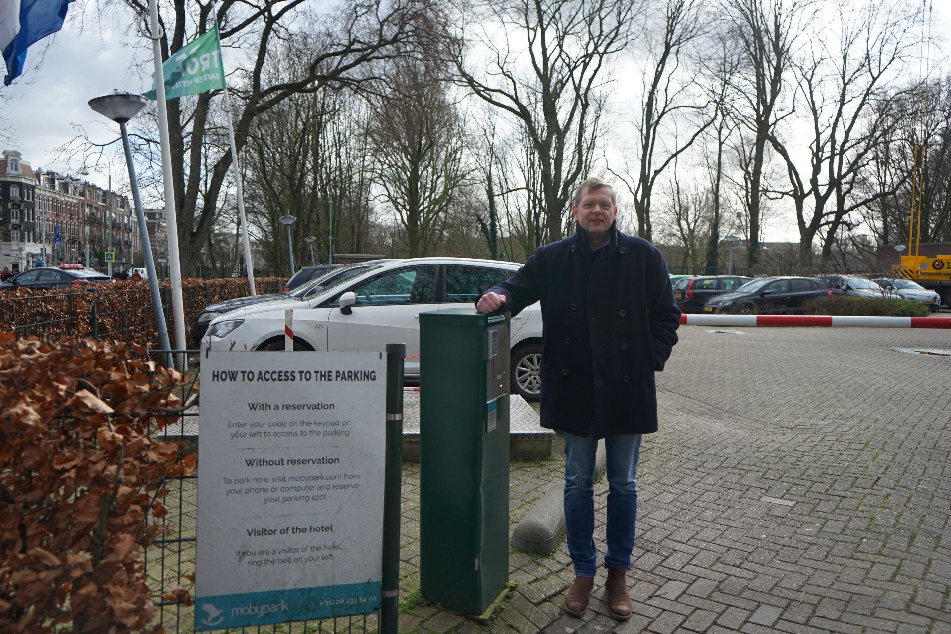 hotel parking amsterdam