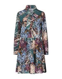 Короткое платье BERNA 15040303NE