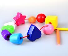 Бусинки-погремушки со шнуровкой и шнуровкой с массивной игольчатой веревкой-трудовая терапия, аутизм и мелкая моторика Игрушки для малышей BOHS 32669862033