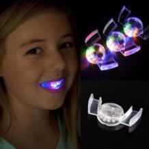 Новинка светящийся зуб светодио дный мигающий свет игрушка флэш-Guard Brace рот кусок Дети Light-up игрушки Праздничные вечерние поставки SHPYHT 32850550974