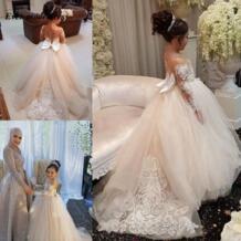Милые платья с длинными рукавами и цветочным узором для девочек на свадьбу, коллекция 2019 года, кружевное бальное платье с отвесным вырезом для маленьких девочек, пышные платья для первого причастия Ever-modeldress 32922625684