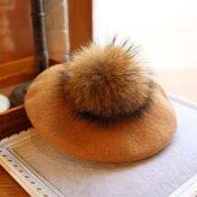 модные зимние шерстяные фетровые береты для женщин художник Boina натуральный енот мех животных кепки новый 15 см Pom Gorras planas плоск wearzone 32787751434
