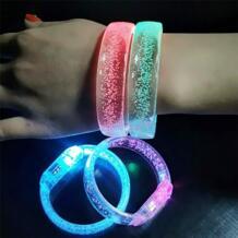 1 шт. браслет светодиодный мигающий красочные светящиеся браслеты с букетами вечерние сувениры светящийся акриловый браслет светодиодный мигающий браслет OCDAY 32977047312