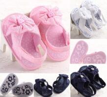 Новинка, сандалии для маленьких девочек, обувь для маленьких девочек с цветочным рисунком, мягкая Нескользящая кружевная обувь для маленьких девочек pudcoco 32826711037