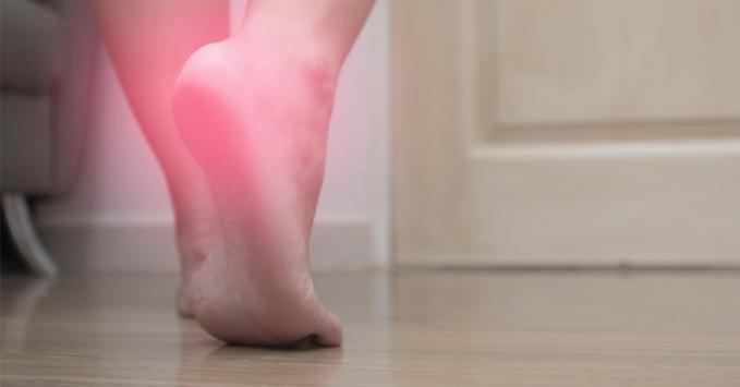 Épine calcanéenne : symptômes, prise en charge