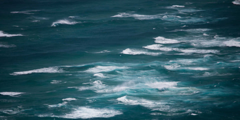 Wellen am Ozean