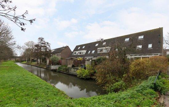Woudveen 11, WATERINGEN
