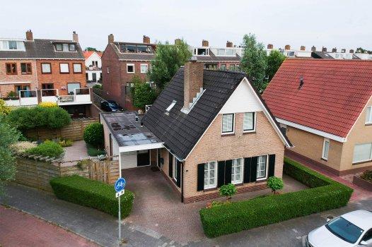 Laan van Delfland 1, MONSTER
