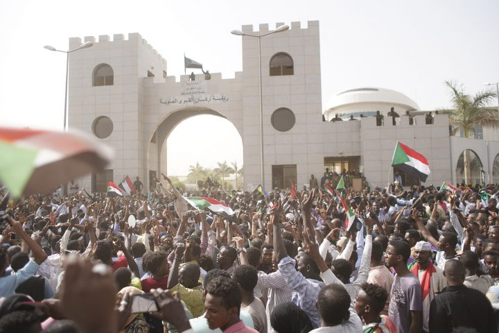 Arab Reform Initiative - The Fall of al-Bashir: Mapping Contestation Forces in Sudan