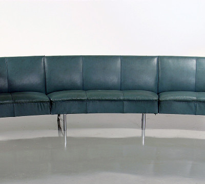 J.F. Staal, W.H. Gispen, sofa for the PTT office in the World Trade Center, Rotterdam, 1939-1940, steel, imitation leather, plastic, Collection of the Cultural Heritage Agency of the Netherlands.
