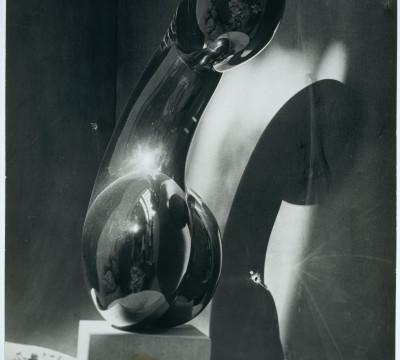 Constantin Brancusi, Princesse X (Prinses X), circa 1930e, gelatine zilverdruk, 29,7 x 23,7 cm. Collectie Centre Pompidou, MNAM-CCI, Parijs. Foto Bertrand Prévost.