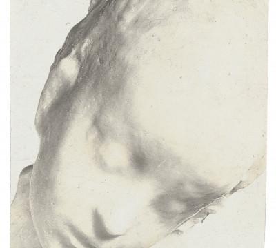Medardo Rosso, Enfant malade (Ziek kind), circa 1909, aristotype, 7,9 x 6,3 cm. Archivio Medardo Rosso Barzio