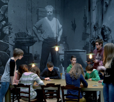 Studio Rosso, tentoonstelling: Brancusi, Rosso, Man Ray - Framing Sculpture, Museum Boijmans Van Beuningen, 2014. Foto: Gert-Jan de Rooij, Amsterdam.