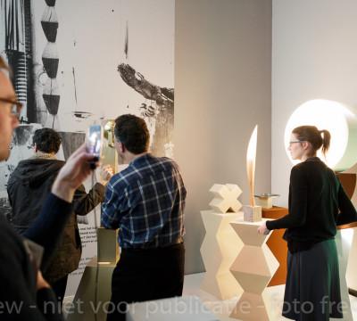 Studio Brancusi, tentoonstelling Brancusi, Rosso, Man Ray - Framing Sculpture, Museum Boijmans Van Beuningen, 2014. Foto: Gert-Jan de Rooij, Amsterdam.