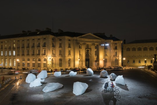 Ice Watch, 2014. 12 ice blocks Place du Panthéon, Paries, 2015. Photo: Martin Argyroglo