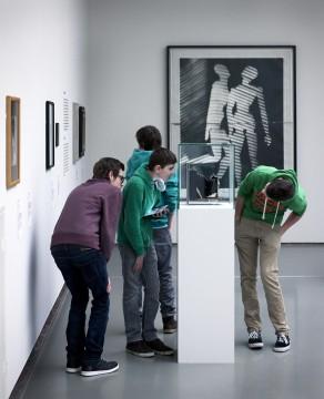 Tentoonstelling Brancusi, Rosso, Man Ray - Framing Sculpture, Museum Boijmans Van Beuningen, 2014. Foto: Gert-Jan de Rooij, Amsterdam.