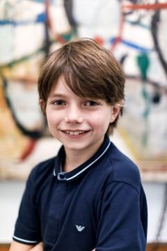 Hoi! Mijn naam is Louk Tilanus, ik ben net 10 jaar geworden. Ik vind het leuk hoe creatief het Museum Boijmans Van Beuningen is. Zelf hou ik veel van kunst en vind ik het belangrijk dat andere kinderen ook plezier hebben in een museum.