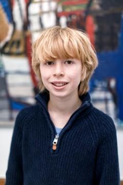 Yes! Nog een jaar in het Boijmans Kinderbestuur! Ik ben Fabian, 10 jaar en ik zit nu voor het 2e jaar in het Boijmans Kinderbestuur. Ik ga er voor om het museum nog avontuurlijker te maken, wat dacht je van een kunstspeeltuin?