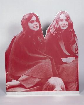 Cady Noland, Manson Girls 'Sit-In', 1993-1994, collectie Museum Boijmans Van Beuningen