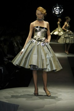 Viktor&Rolf, Fabiana, The Silver Collection, herfst/winter 2006-2007, fotografie Peter Stigter