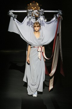 Viktor&Rolf, Look 33, The Fashion Show Collection, herfst/winter 2007-2008, fotografie: Peter Stigter