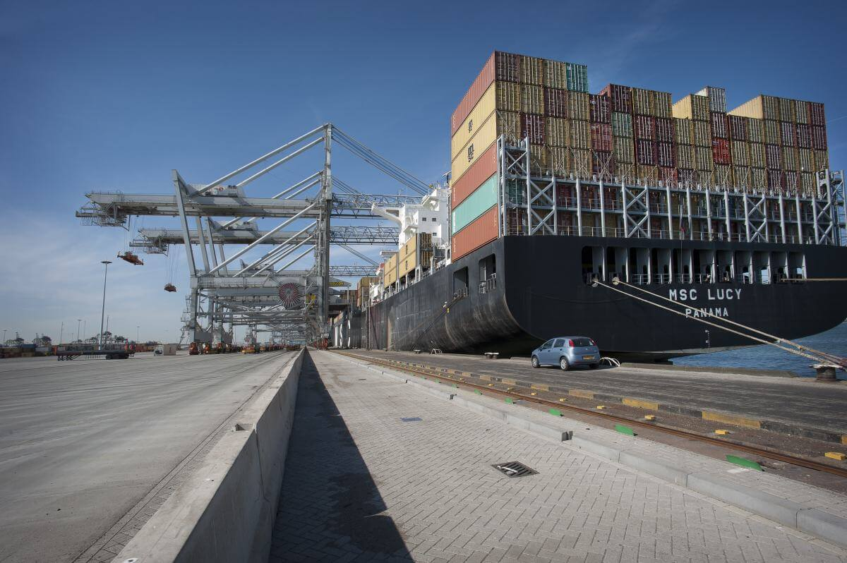Rotterdam based logistics scale-up UTURN receives investment of € 2 M