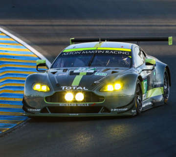 2017_Aston_Martin_claim_24H_of_Le_Mans_using_Super_B_Lithium_batteries